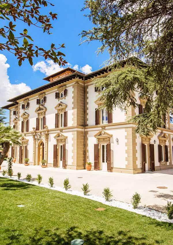 Luxury Vacation Rentals & Villa Rentals | LaCure Villas